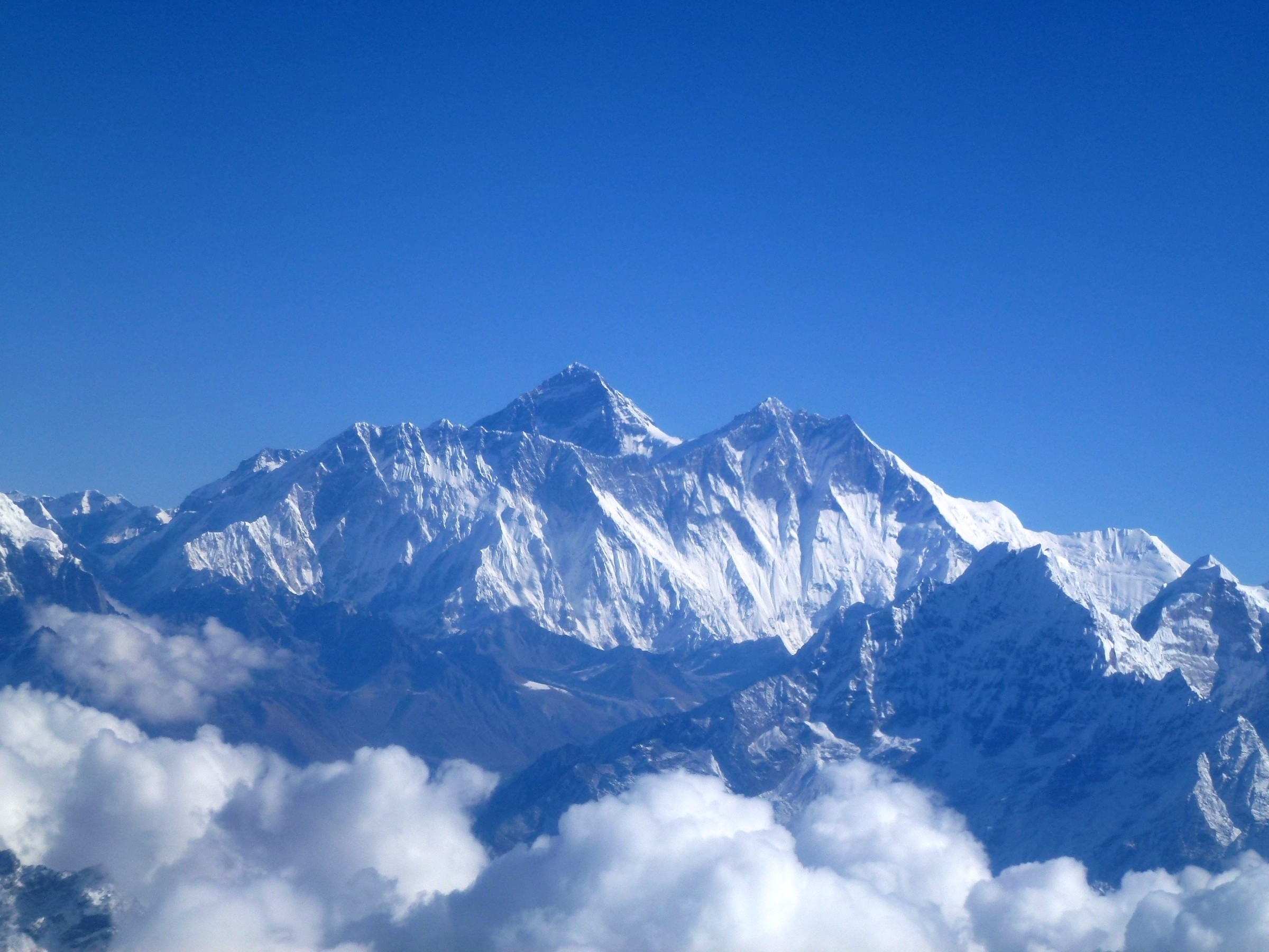 Mount-Lhotse-from-khumjung